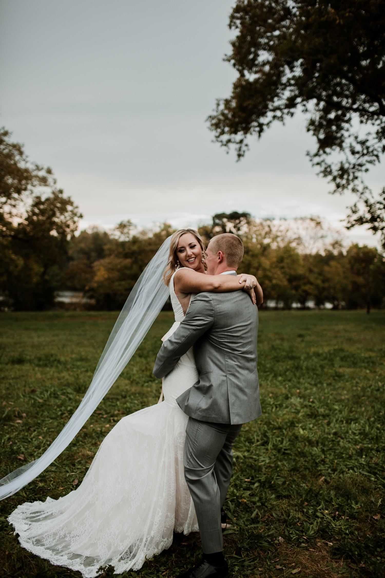 24_Photographer_Groom_Bridesmaids_ColumbusWeddingPhotographer_Bride_ColumbusWedding_Photography_FloridaWeddingPhotographer_Vue_Strongwater_Groomsmen_Wedding_Ohio_Jorgensen_Columbus.jpg