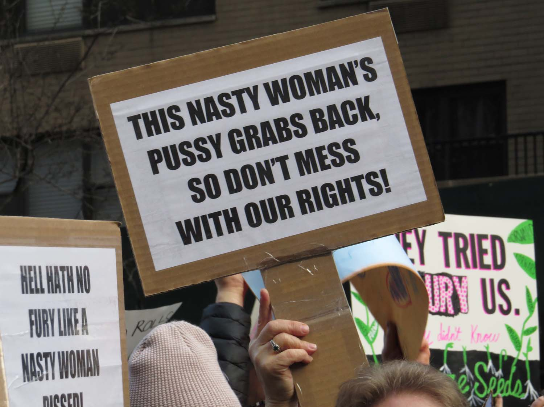 WomensMarchNYC 1500 1-21-2017 186P.jpg