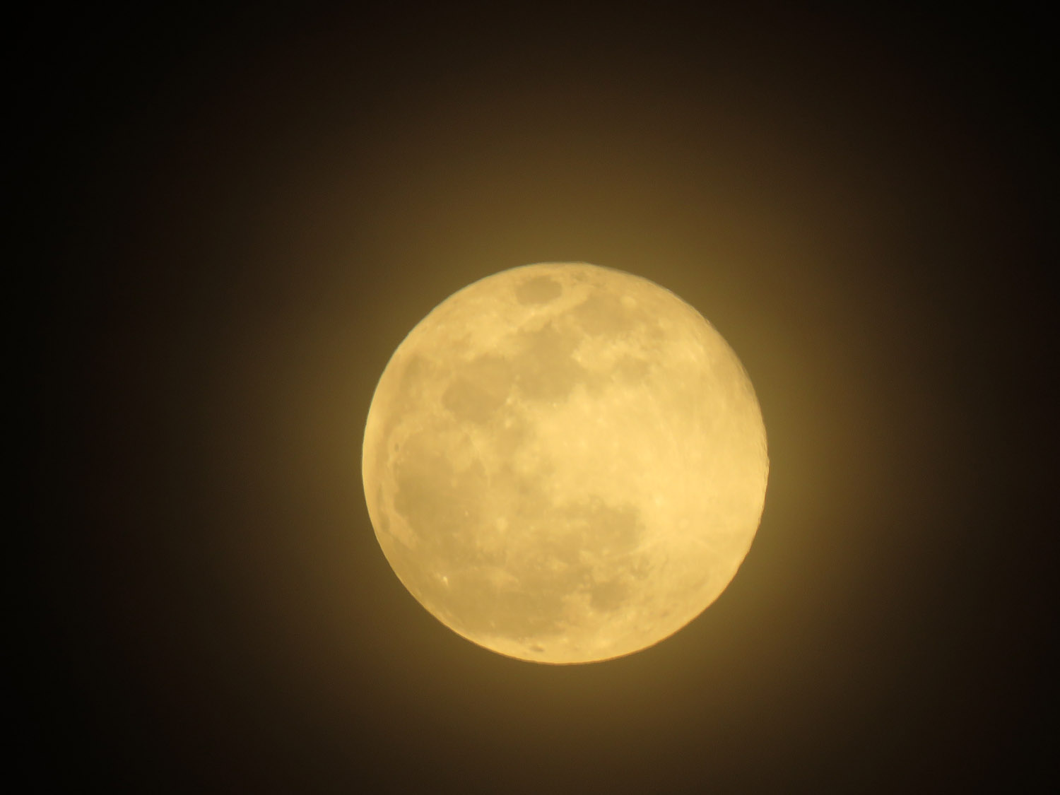 The supermoon in all its glory, February 19
