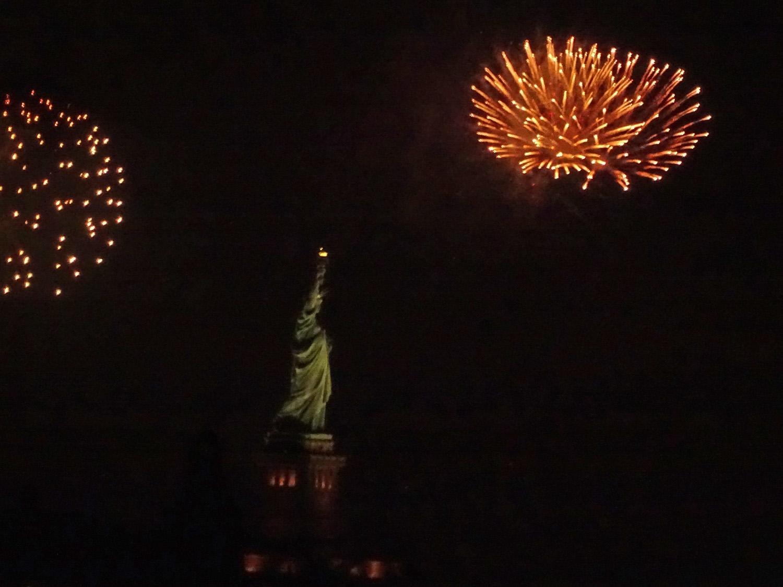 Fireworks 1500 7-4-2019 SI 242P.jpg