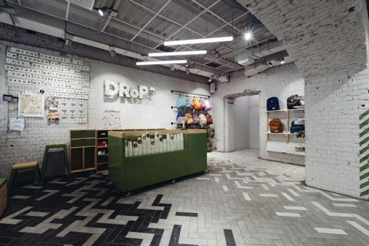 Drop-store-by-Rosie-Lee-Moscow-Russia-03.jpg