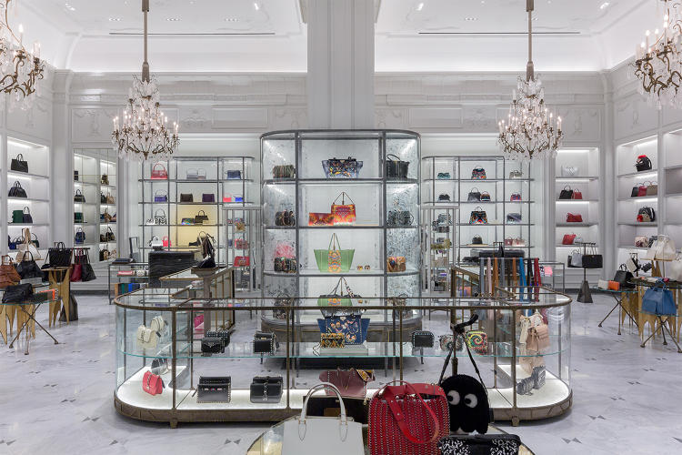3063466-slide-s-2-bergdorf-goodman-looks-to-lure-offline-shoppers-with-promise-of-instagram-moments.jpg