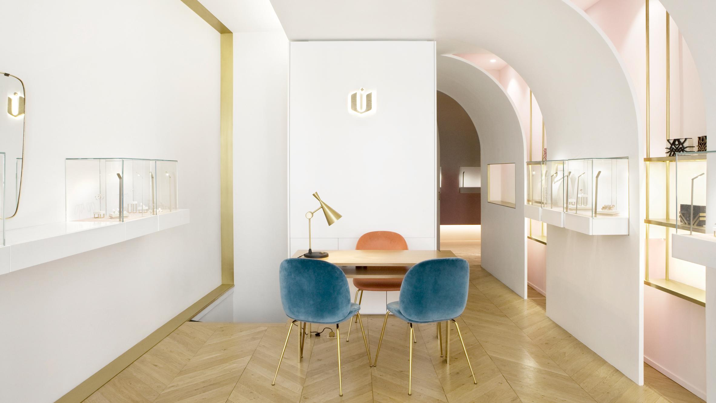 nuun-jewellery-shop-java-architectes-interiors-retail-paris-france_dezeen_hero.jpg