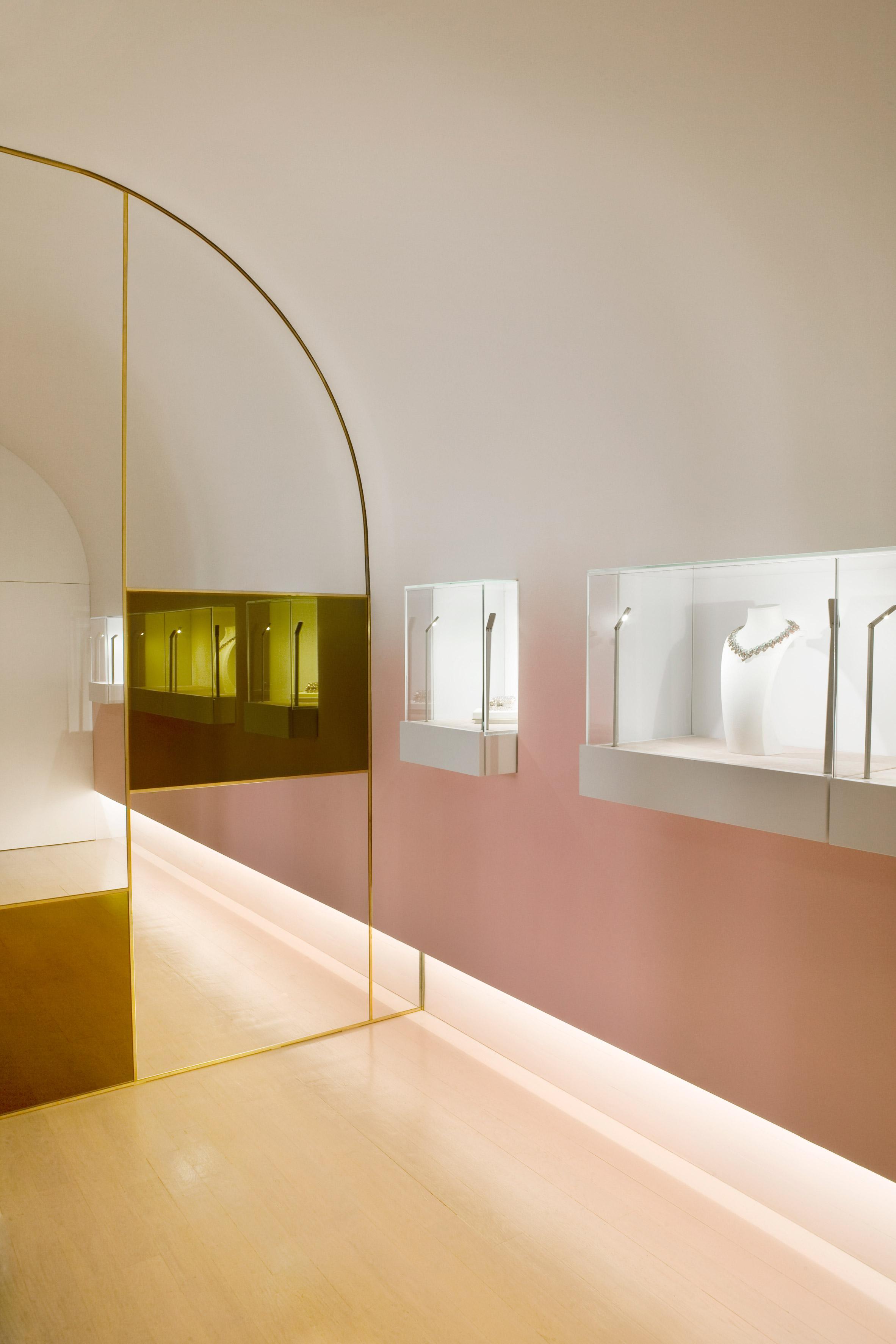 nuun-jewellery-shop-java-architectes-interiors-retail-paris-france_dezeen_2364_col_6.jpg