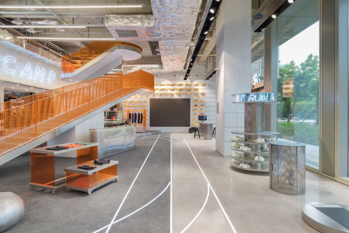 RUNNER-CAMP-store-by-PRISM-design-Shanghai-China-02.jpg