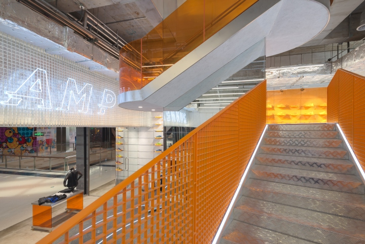 RUNNER-CAMP-store-by-PRISM-design-Shanghai-China-09.jpg