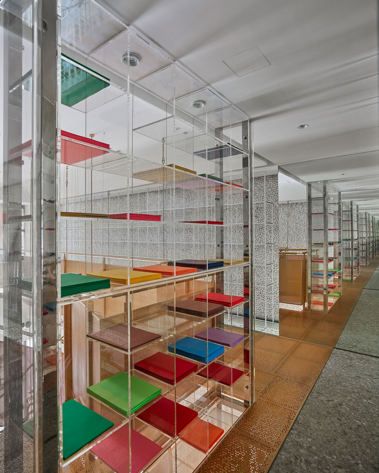s2_molecure_pharmacy_taichung_taiwan_waterfrom_design_yatzer.jpg