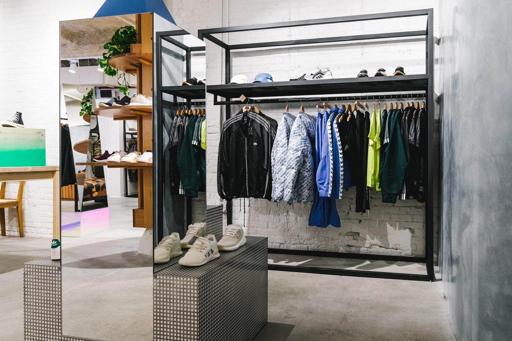 sneakersnstuff-new-york-store-photos-10.jpg