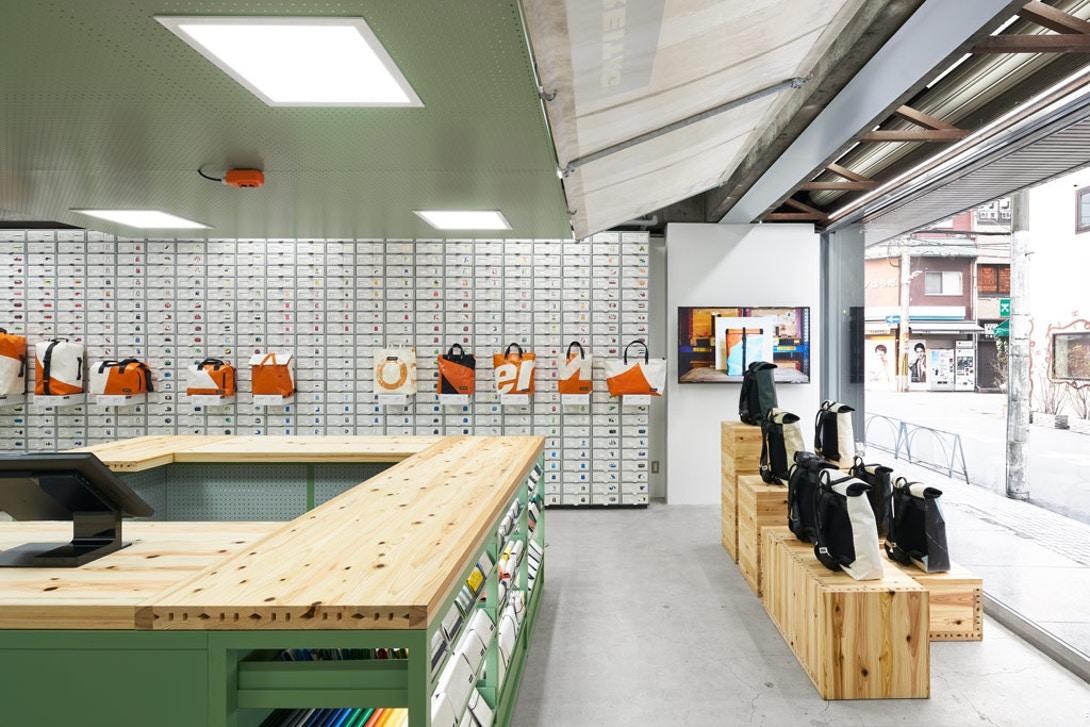 torafu-architects-freitag-osaka-store-kiosk-3.jpg