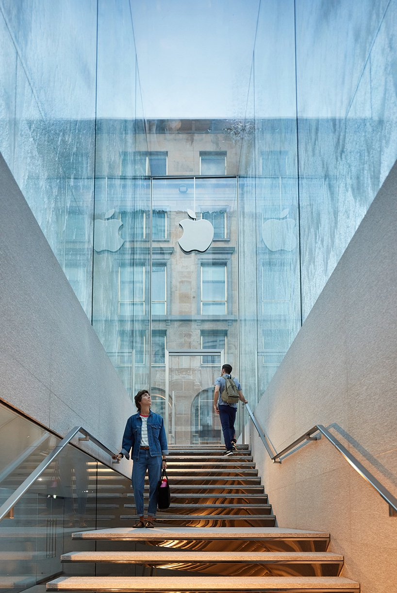 milan-apple-store-piazza-liberty-italy-foster-partners-designboom-02.jpg