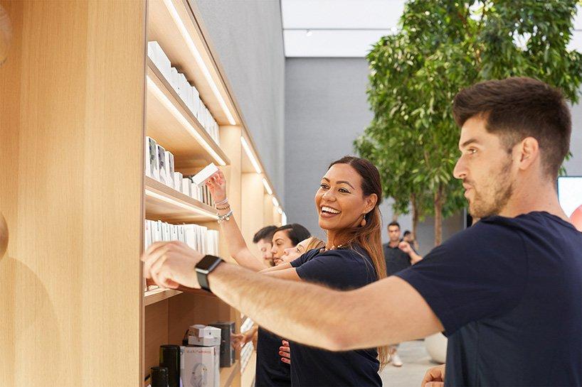 milan-apple-store-piazza-liberty-italy-foster-partners-designboom-03.jpg