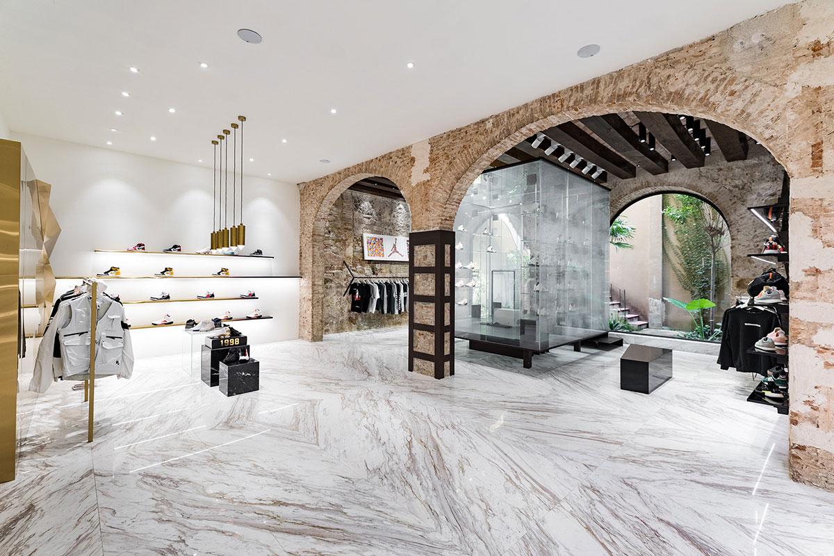 foot-district-new-store-barcelona-04.jpg