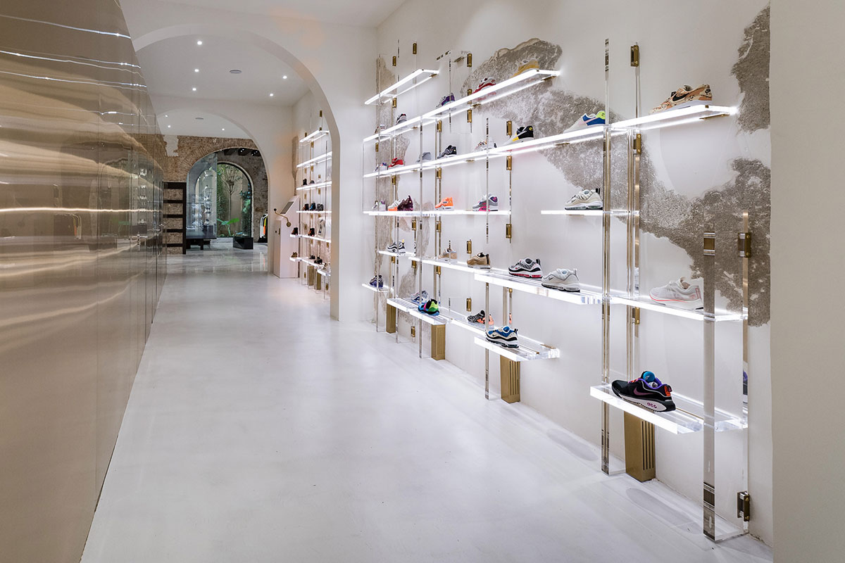 foot-district-new-store-barcelona-11.jpg