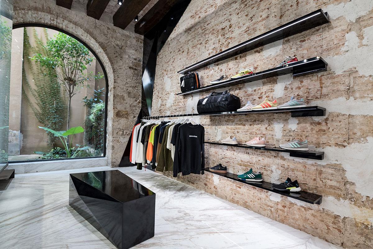 foot-district-new-store-barcelona-05.jpg