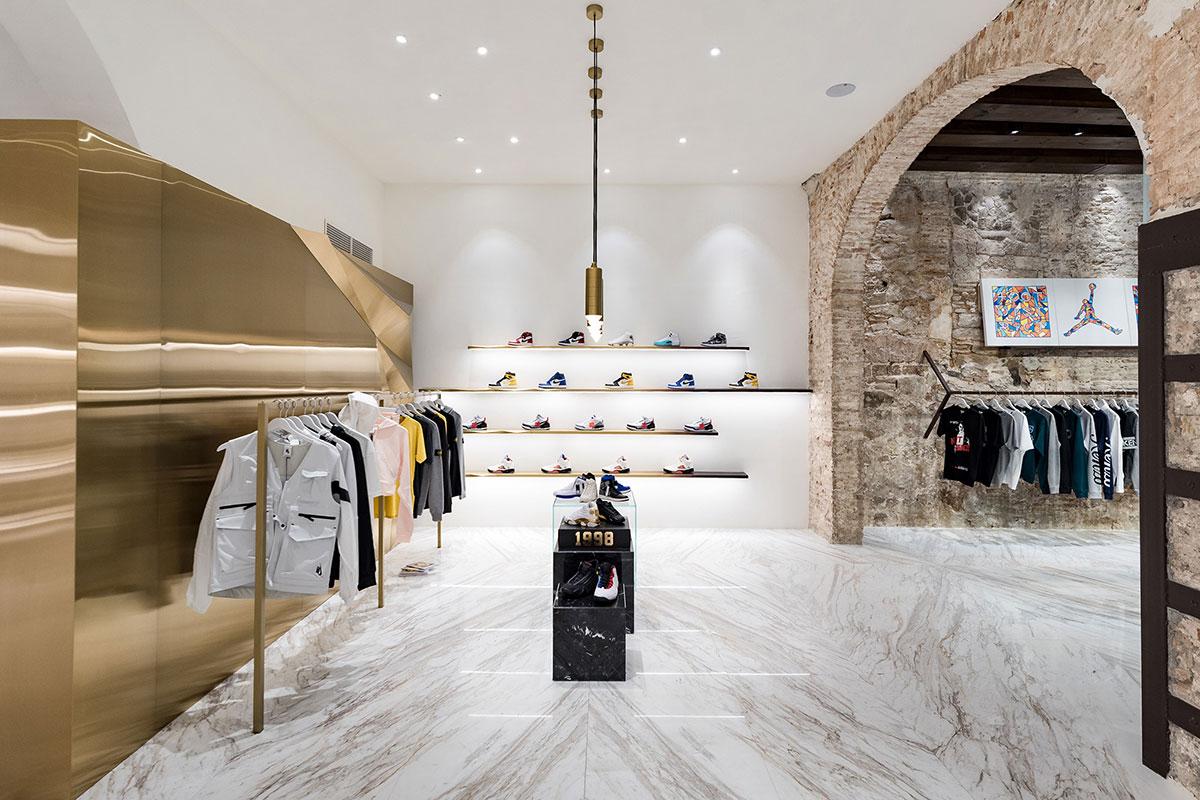 foot-district-new-store-barcelona-16.jpg