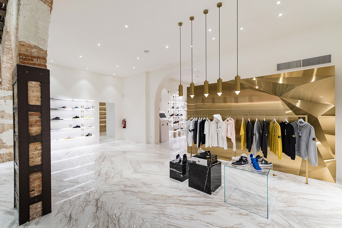 foot-district-new-store-barcelona-20.jpg