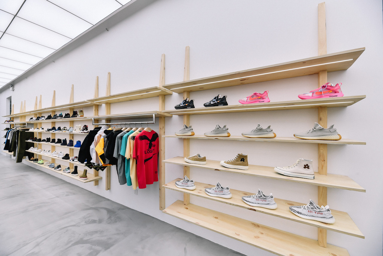 https---hypebeast.com-image-2018-11-invincible-shanghai-store-opening-wacko-maria-7.jpg