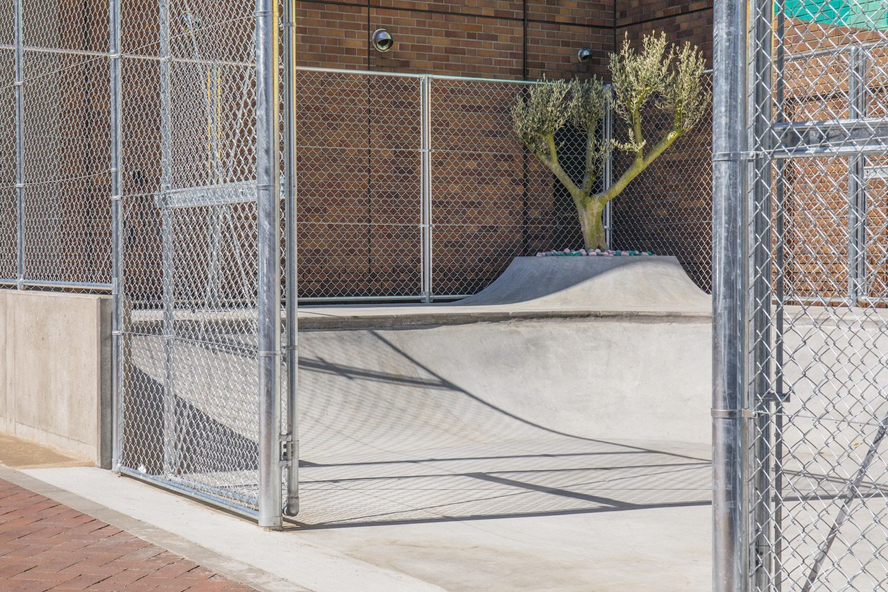 https---hypebeast.com-image-2019-03-qucon-tokyo-skate-park-fragment-design-collab-14.jpg