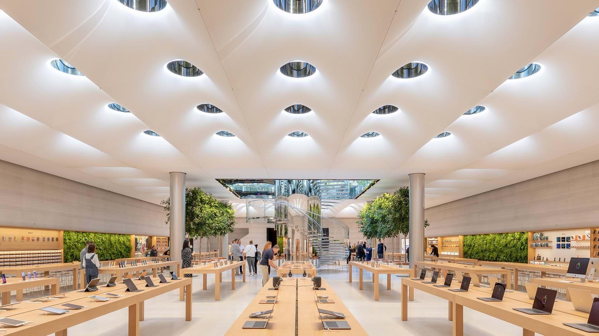 Apple Store NYC Addicted To Retail Zak Hoke 6.jpg