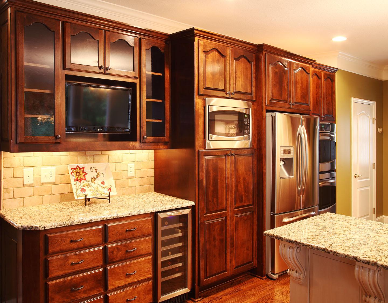 5831_Manor_Drive_Kitchen_3.jpg