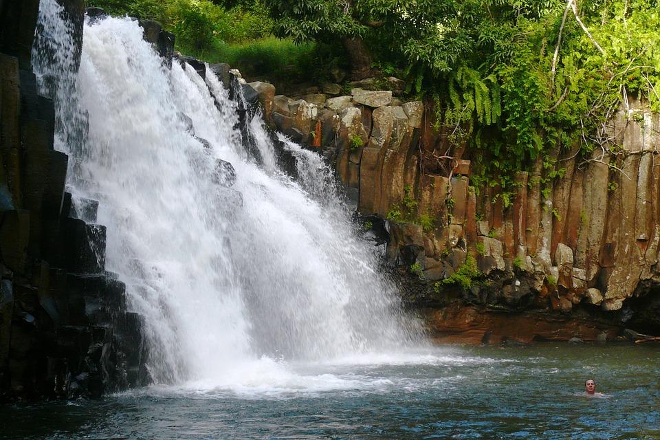 Explore the Mauritius secrets - Are you a tourist or a traveler?