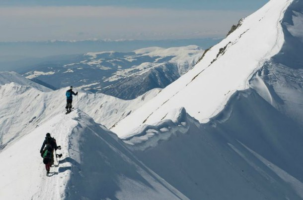 Backcountry skiing off the beaten track 3.jpg