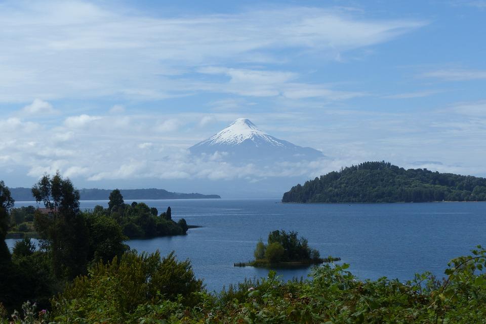 Chile lake 2.jpg