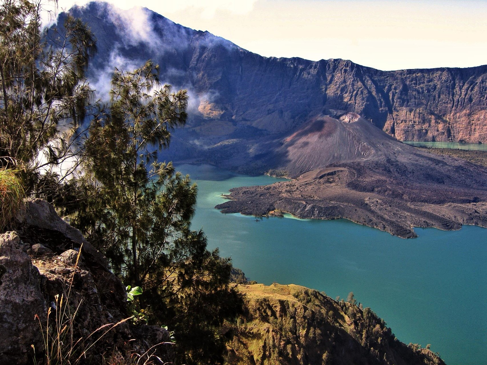 Climb Mount Rinjani