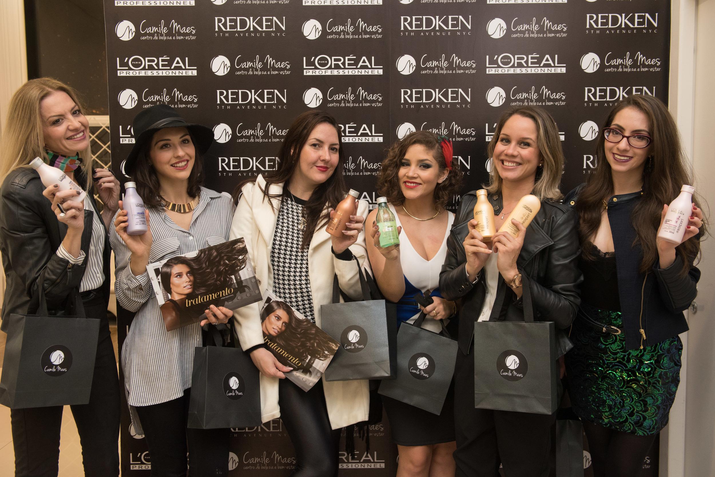 Da esquerda para a direita:Alessandra Toneli, Rafaela Ronconi, Bianca Mueller,Rafaela Reis,Monique Bordin e Manu Luize.