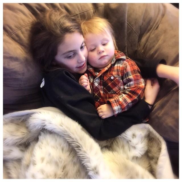 Sim and Beckett cuddles.jpg