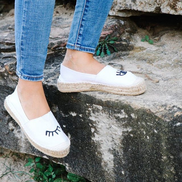 Spring is here!! Check out these DIY Espadrilles in the archives on the blog, so perfect for this season! Super affordable and such a fun way to jazz up your attire 💕
