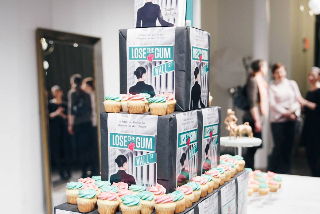 cupcakes+book.png