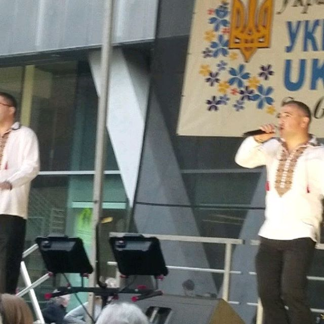 Rockin'n out at Ukie Fest! Who doesn't love a little  червона рута! #ukrainianfestival