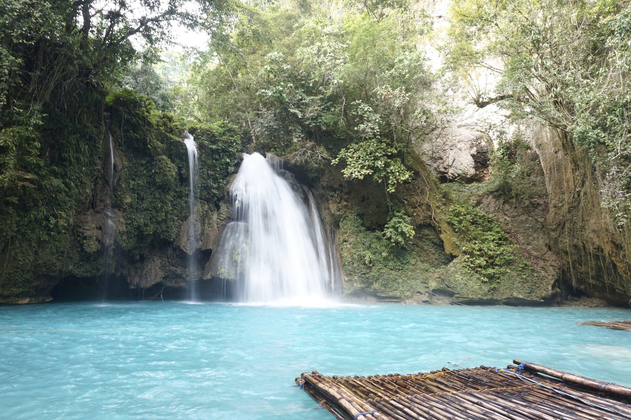 Cebu-Kawasan-Falls