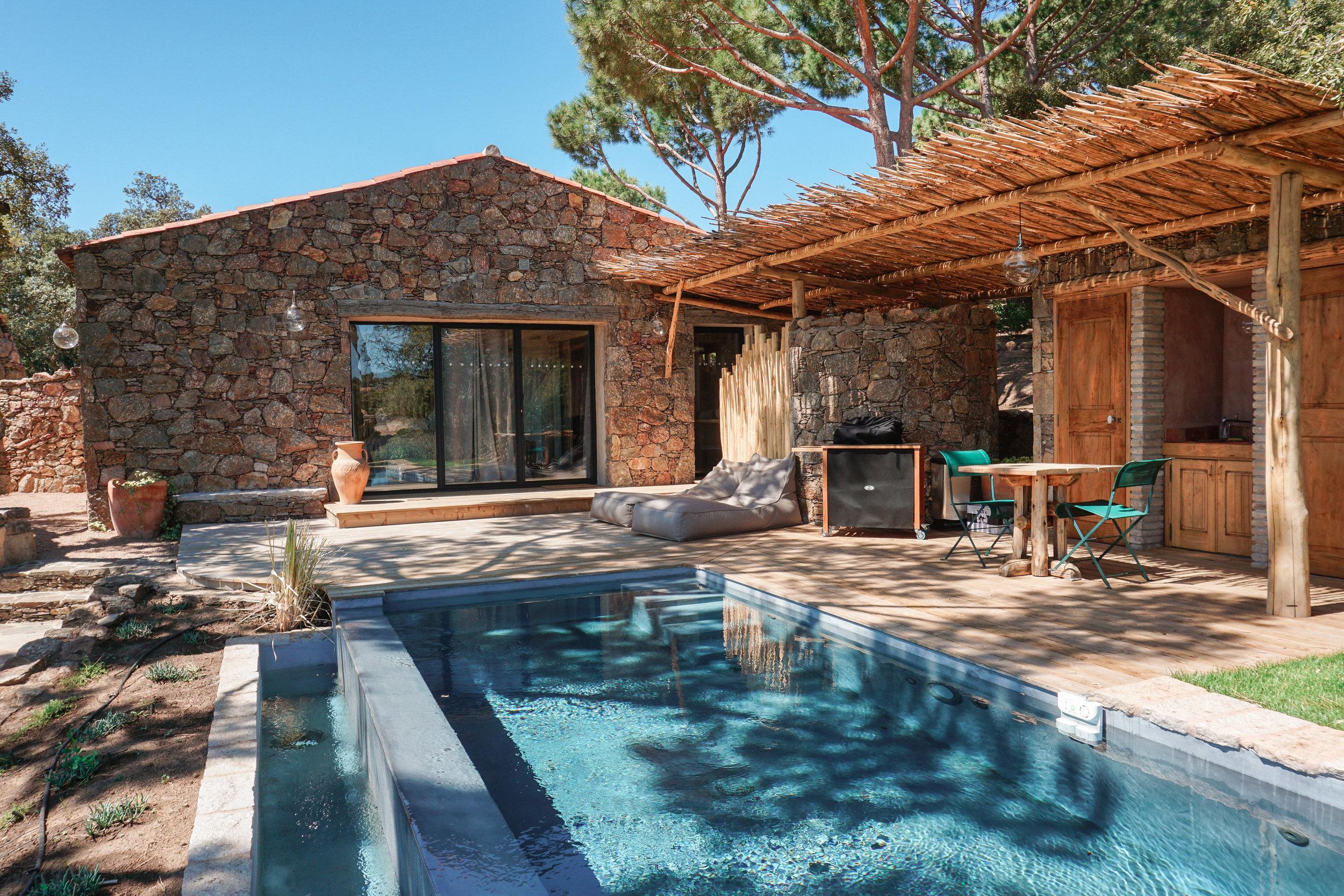 ♡ RESERVE your private villa -