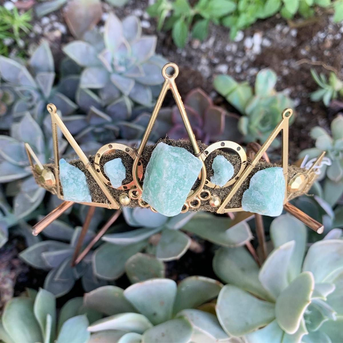 Loschy Crowns + Jewelry