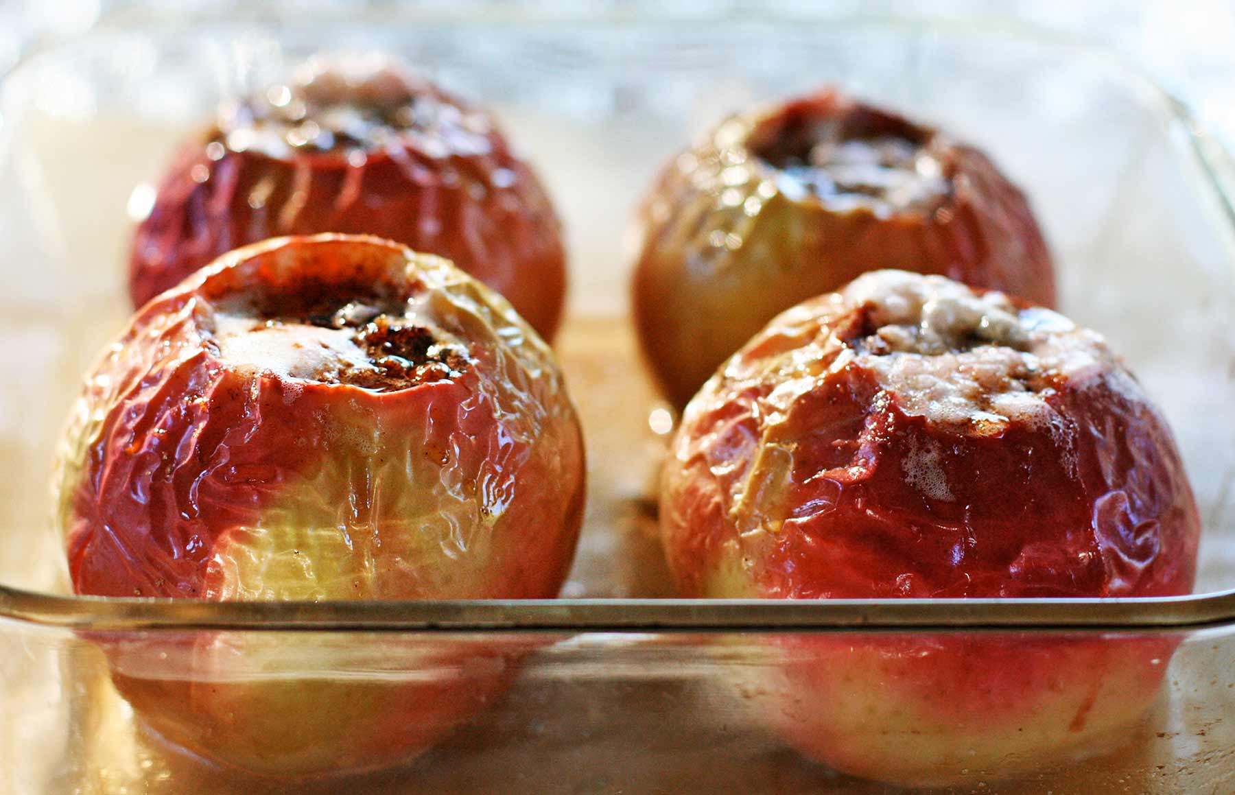 baked-apples-horiz-a-1800.jpg
