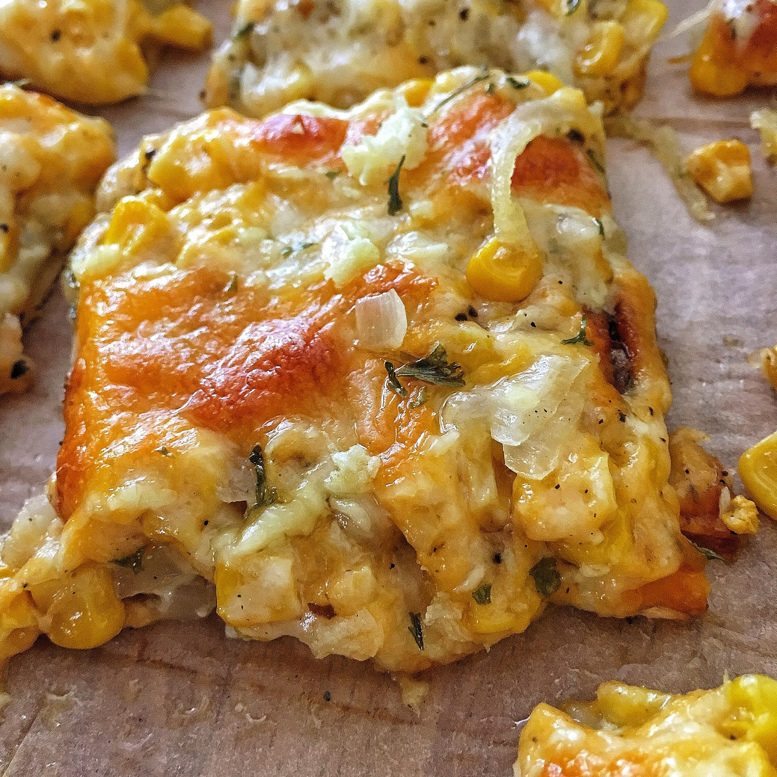 cheesy corn pizza