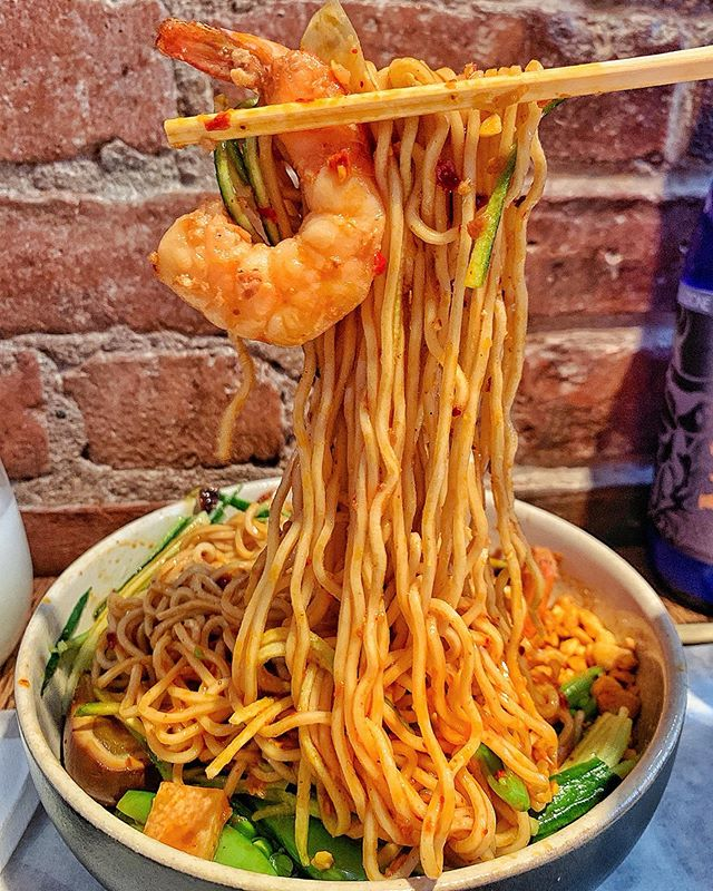 Presenting y'all the Everything Nice Chengdu Yangchun Mian from @littletongnyc 😍⁣ ⁣ Let's dissect everything nice about this dish👨🏻‍💻⁣ ⁣ First of all, let's take a moment to appreciate the beauty of these noodles, deliciously coated in spicy, tangy chili sauce! Not too spicy, and just 🔥full of FLAVORS🔥⁣ ⁣ I'm on a personal mission to try as many different kinds of cold noodles as possible, and this one just tops the list! The flavors shine even more because it's served cold, and slurping these noodles surprisingly feels SO refreshing✨⁣ ⁣ And talking about PERFECT toppings! Crunchy peanuts! COOLING cucumbers🥒 Seasonal green beans adding extra delight in each slurp! AND 🍤shrimp🍤 I don't think it would have been as refreshing as it was if the protein were beef or pork🤔 everything was just so well thought-our and I could taste chef Simone's love in every slurp💕⁣ ⁣ Just like the name of this dish, everything INDEED was nice 😘 Looking for flavorful, cold noodle dishes to slurp your feelings? THIS IS IT Y'ALL🤩