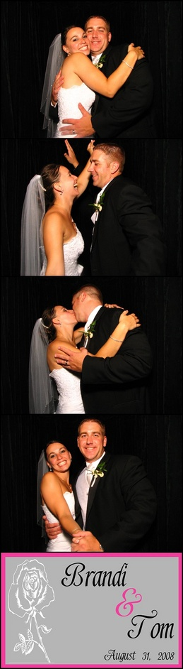photo-booth-ideas-chicago-weddings-engaging-events-by-ali.jpg