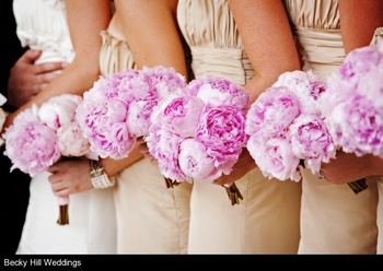 bridesmaids-bouquets-pink-flowers-engaging-events-by-ali.jpg