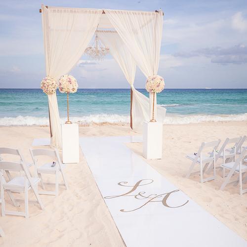 glamorous-weddings-sandy-beaches-high-end-destination-planning-chicago-engaging-events-by-ali-10twelve.jpg