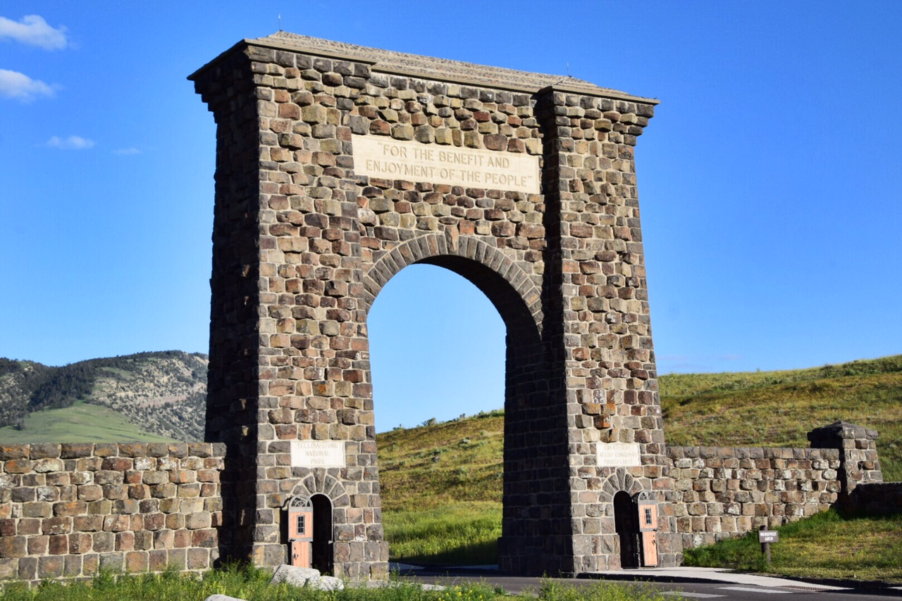 Guide to Yellowstone National Park June (11).JPG