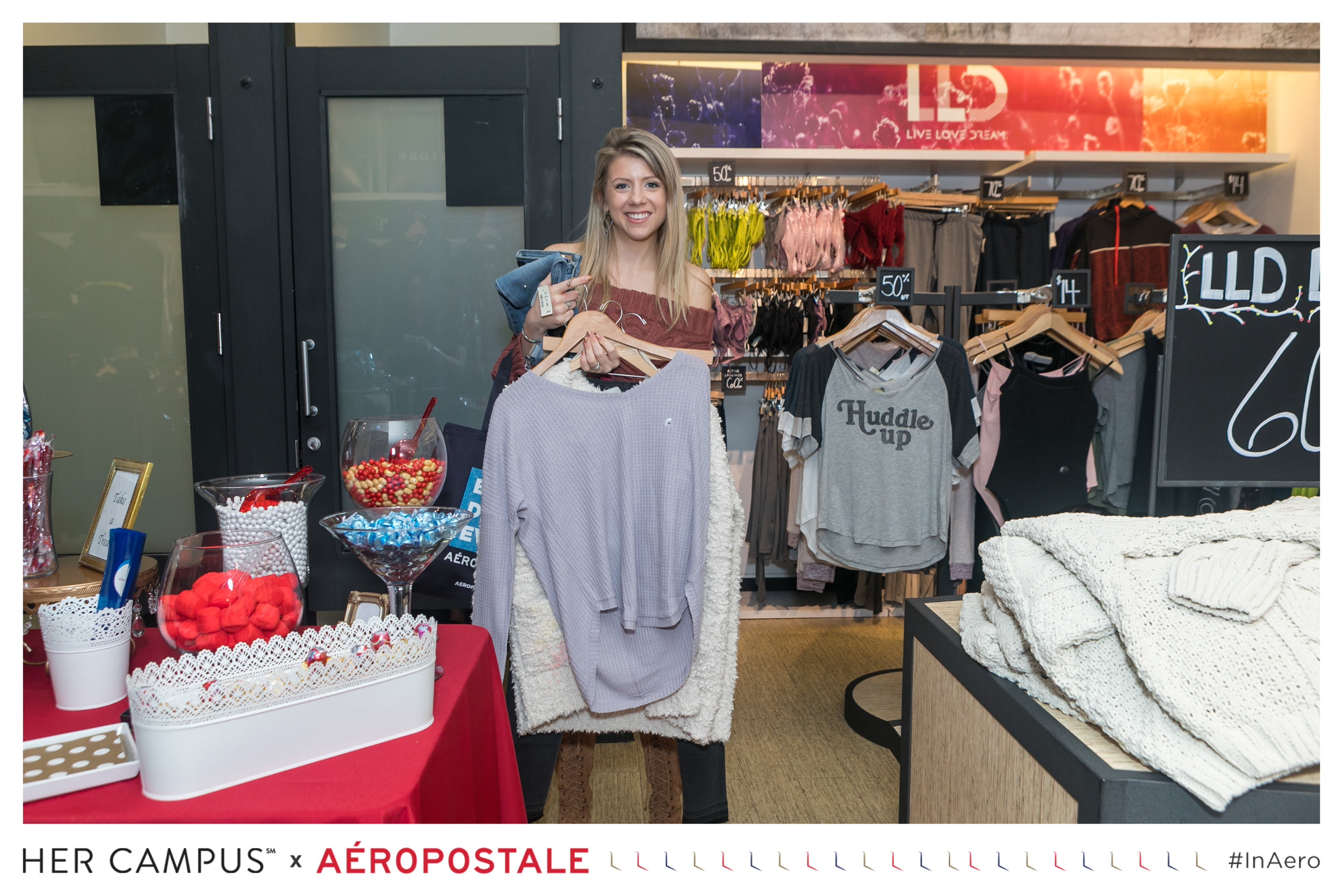 Her Campus x Aéropostale in-Store Shopping Experience Influencer - Blogger  (2).jpg
