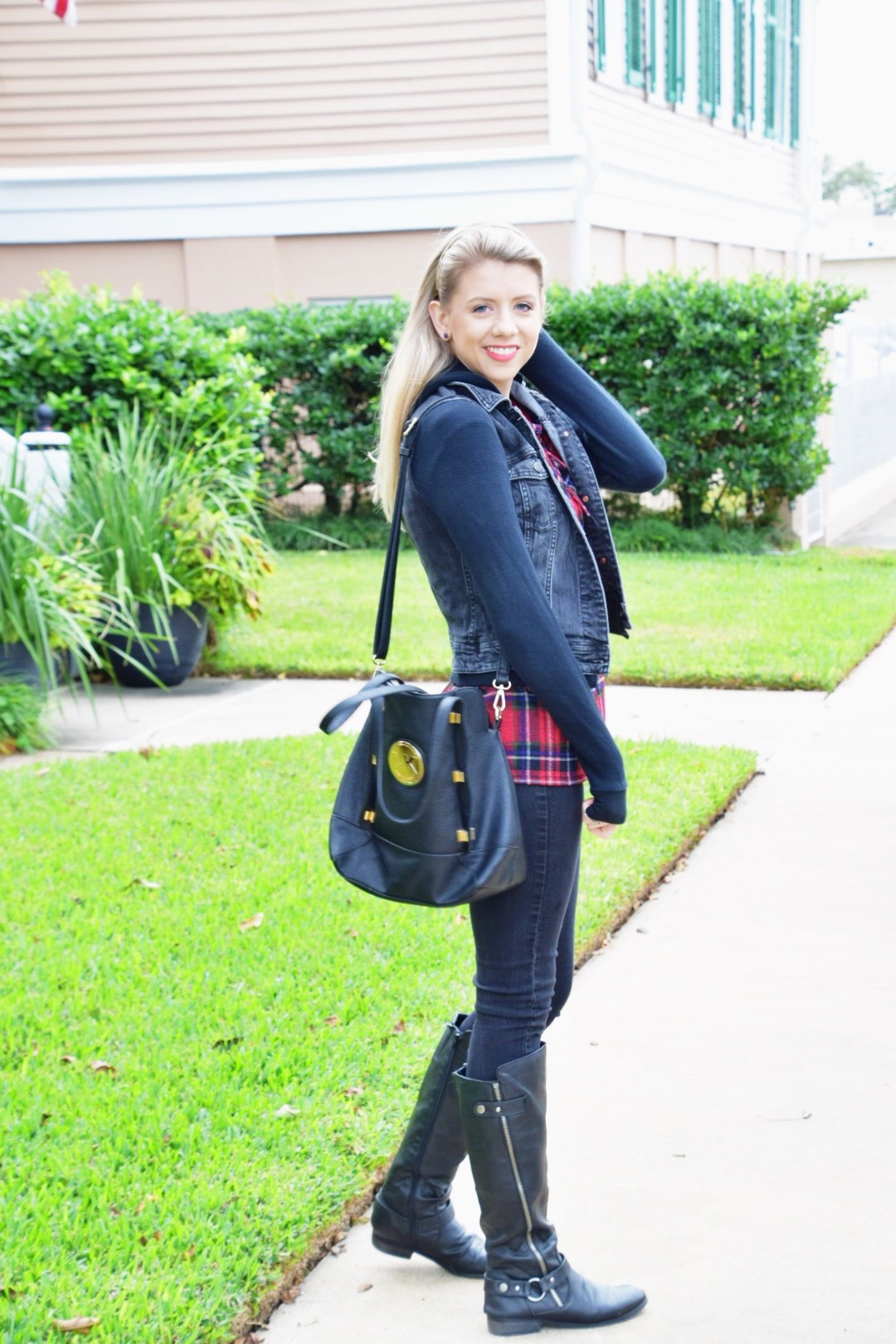 Houston Fashion Blogger - Shop PinkBlush - Plaid Shirt (4).JPG