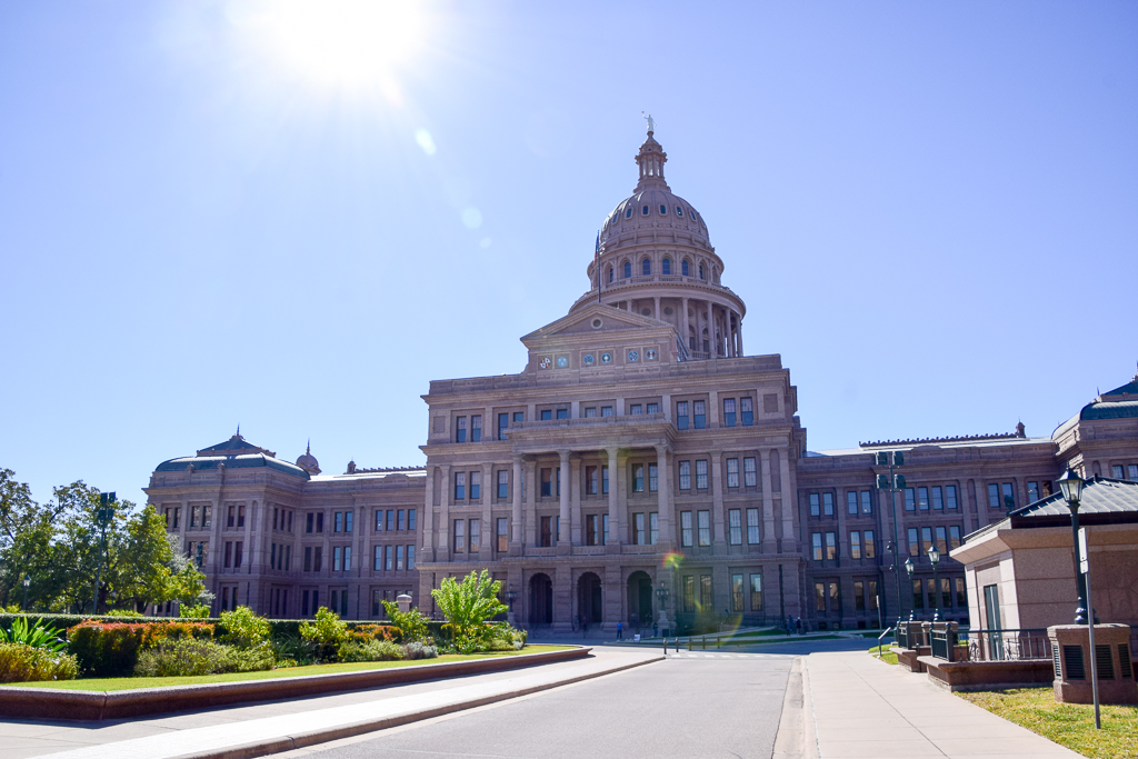 Travel Blogger - Things to do in Austin Texas - Weekend Guide to Austin - Houston Lifestyle Blogger (5).jpg
