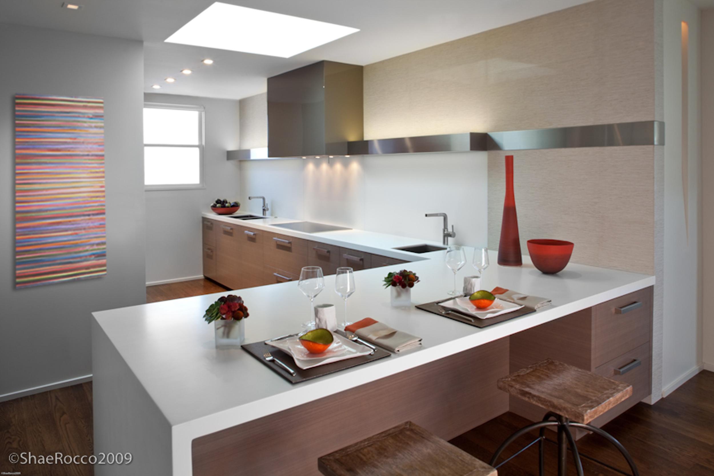 Kitchen-7012_withArt.jpg