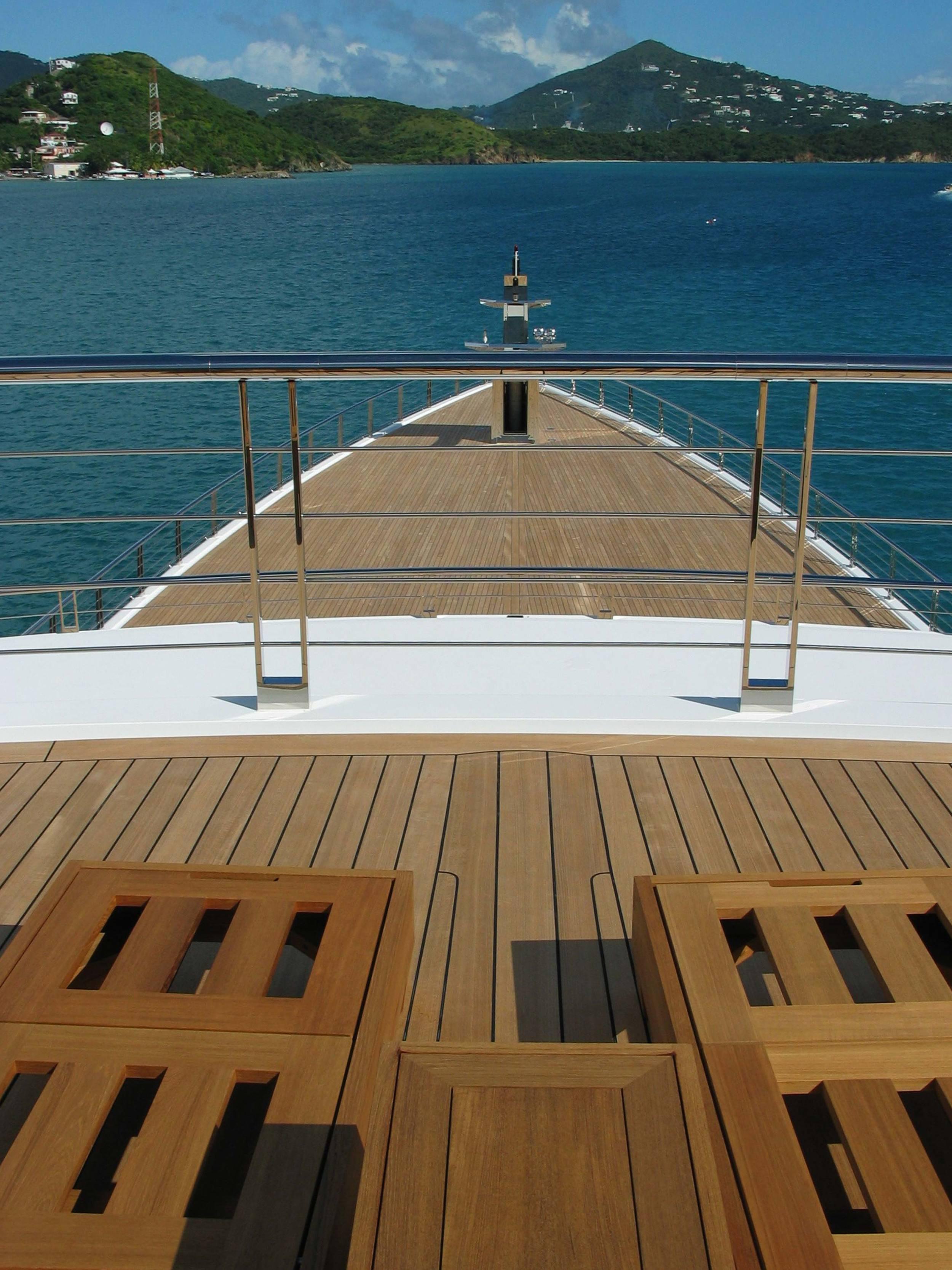 Motor-Yacht-1-Rising-Sun-Bow-adj.jpg