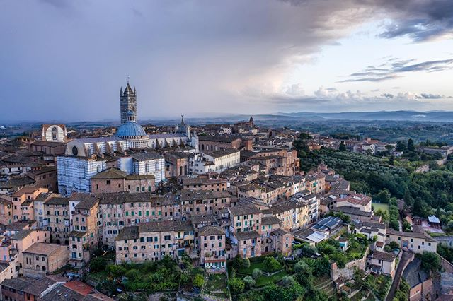 Oh Siena I think I'll miss you most of all. . . . #fedpv #travelphotography #dronelife #siena #igfromabove #dji #airvuz #mavicpro2 #dronephotography #djimavicpro2 #droneoftheday #italy