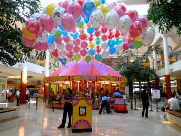 South Coast Plaza carousel and balloons from carlabuchanan.blogspot.com